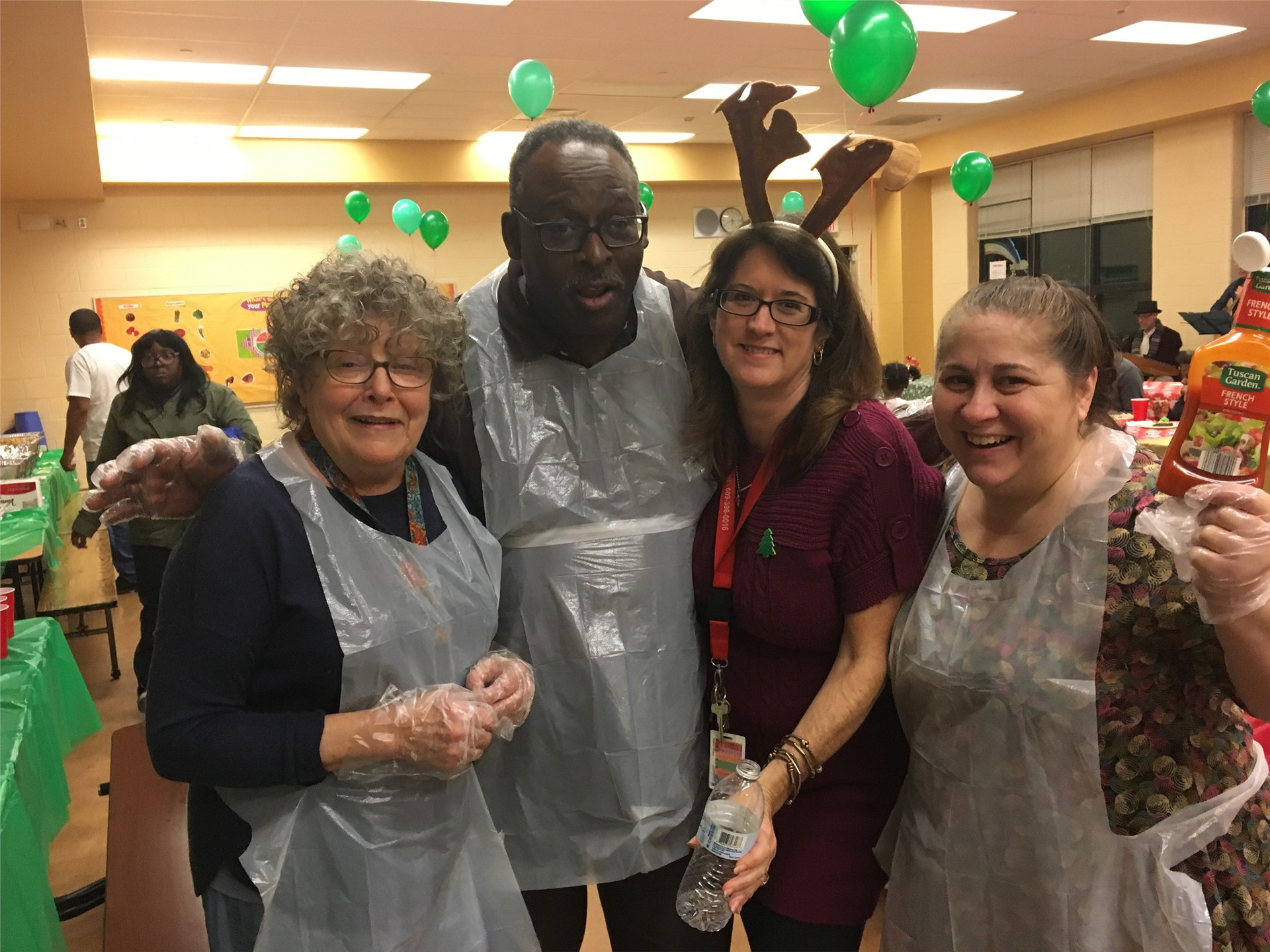 Mott Staff Helps to Make the Holiday Celebration a Success!